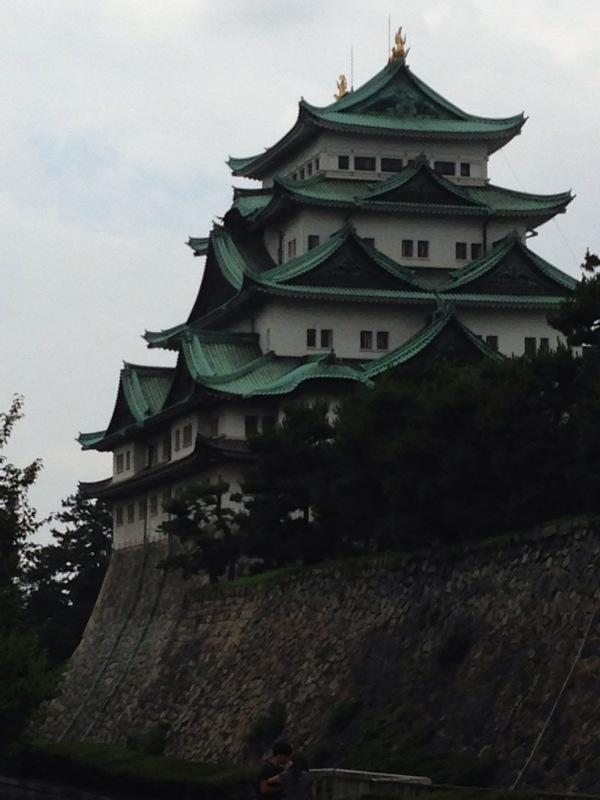 名古屋城横